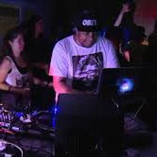 DJ UZ's avatar