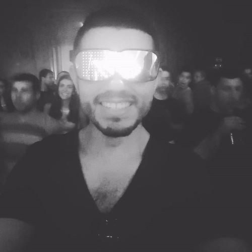 Yuri Zanoni's avatar
