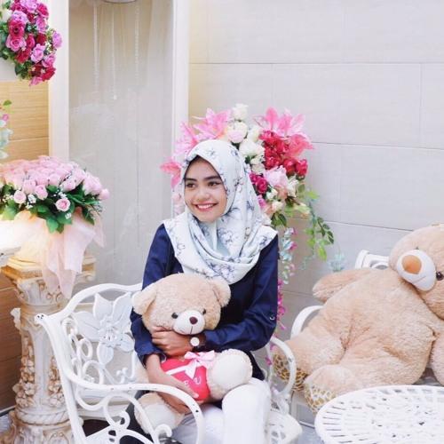 Rabia Adawiya's avatar