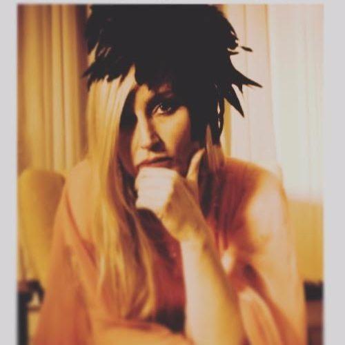 LIV MUELLER's avatar