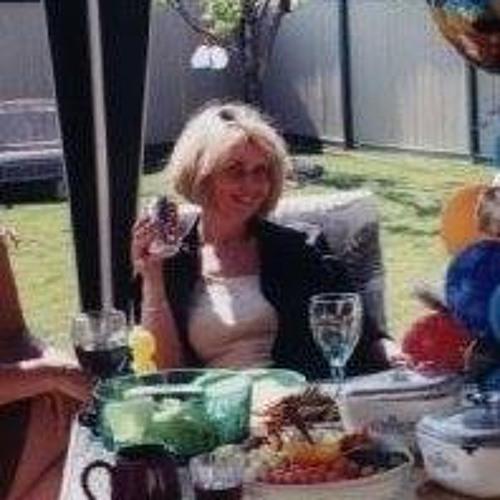 Mary Ellen's avatar