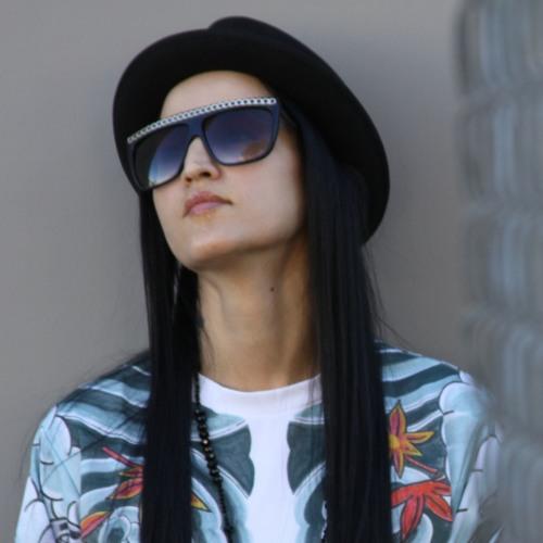 DiamoniqueMusic's avatar