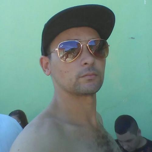 Michel Amarelinho Silva's avatar