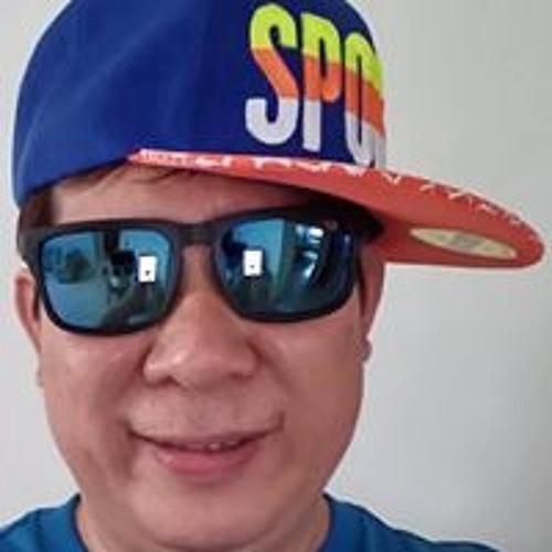 Raymond Chew's avatar