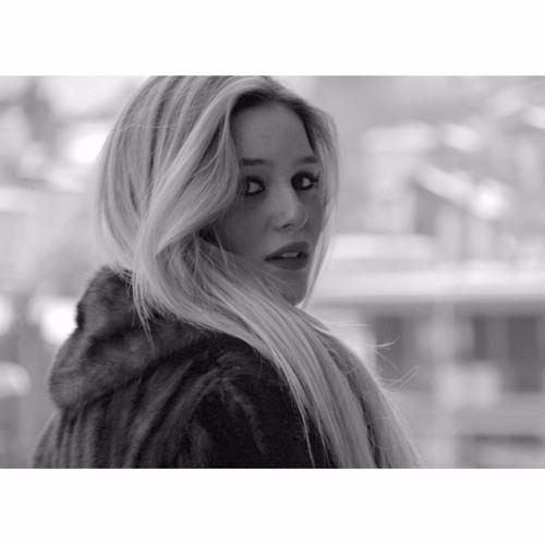 Aylin Dürüst's avatar