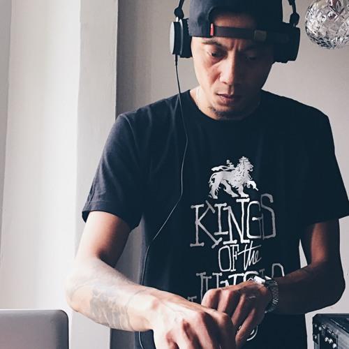 DJ Rizzzy's avatar