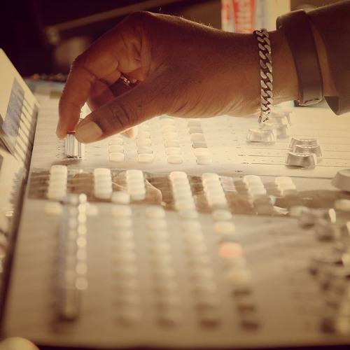 Ursus Studio's avatar