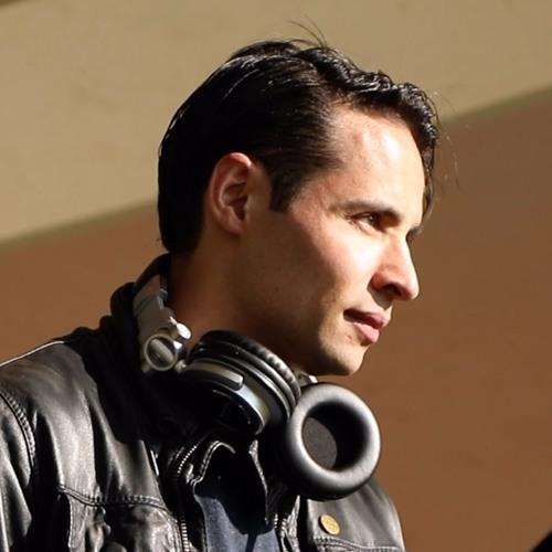 Daniel Diego's avatar