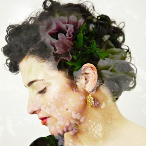 Maria Rui's avatar