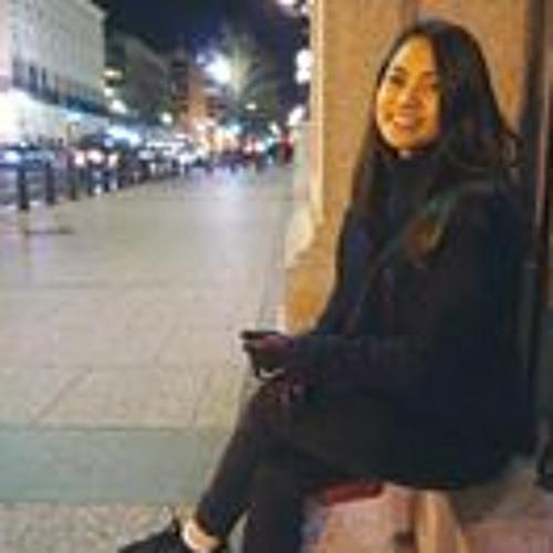 Gabriella Galang's avatar