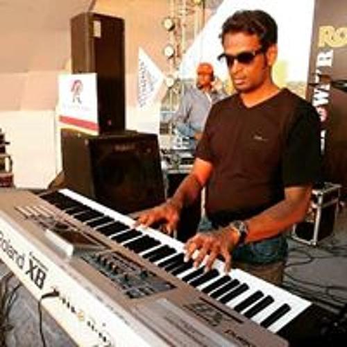 Shashi Naidoo's avatar