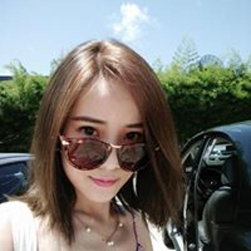 Vivienne Chen's avatar