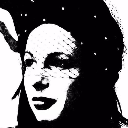 Nina Lux's avatar