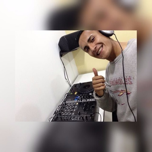 Alejandro Zambrano's avatar