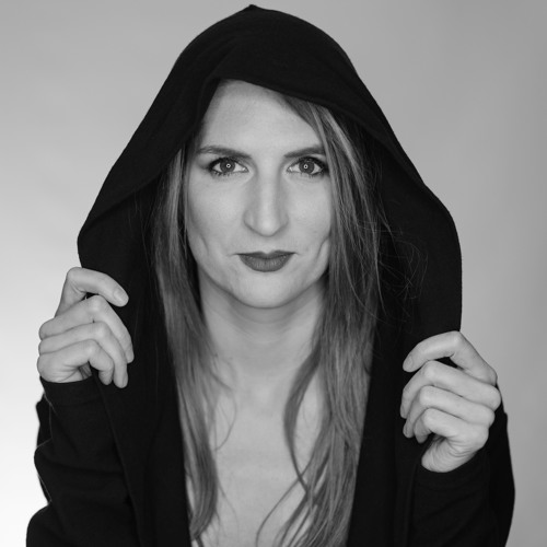 Sue La Vie's avatar