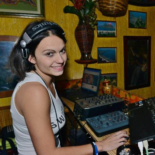 miss_myssticque's avatar