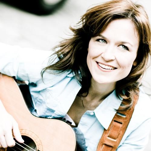Julie Foldesi's avatar