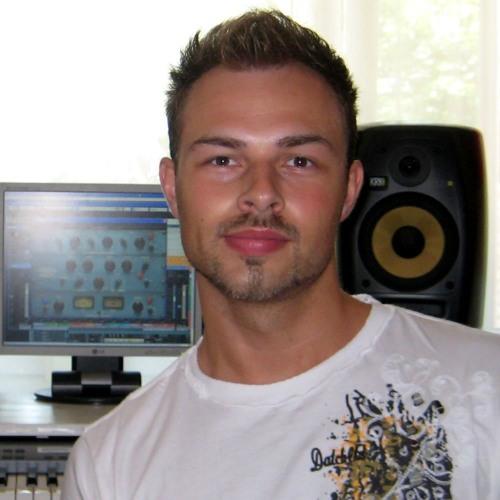 Jarek Musil's avatar