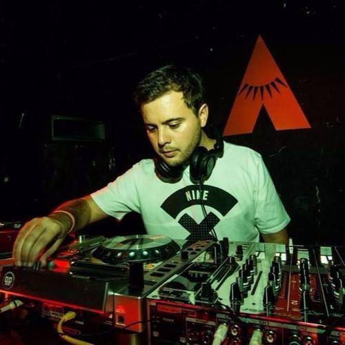 Julián Zelaya's avatar