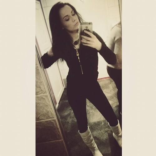 CharlotteMikaela's avatar