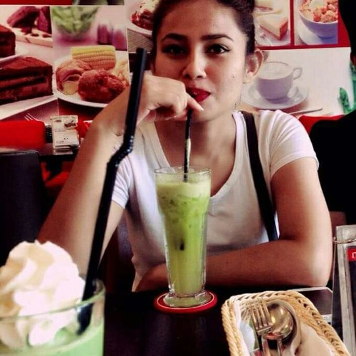 Ashma Bishwokarma's avatar