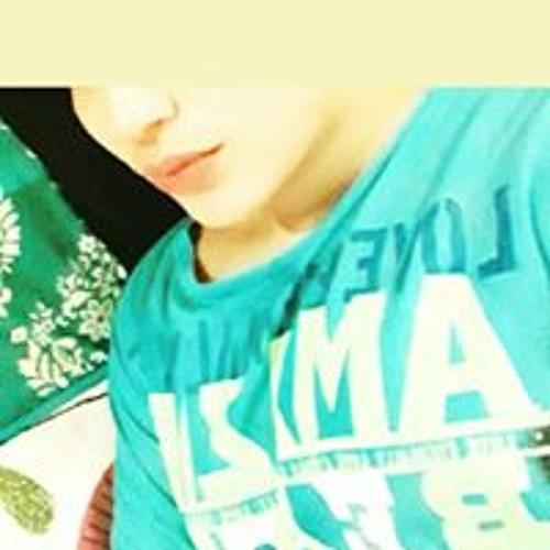 Zoya Butt's avatar