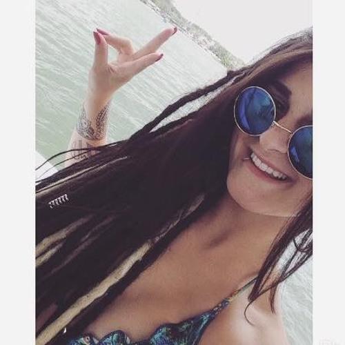 Caroline Munghol's avatar