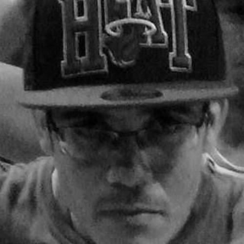 Antonio Fernandes Junior's avatar