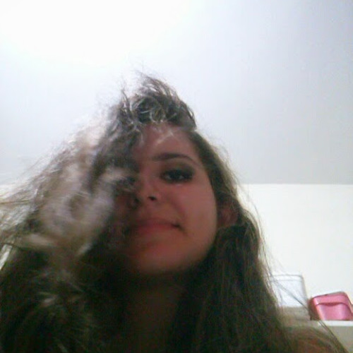 Maria Clara's avatar