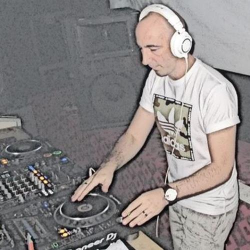 DJ Radias's avatar