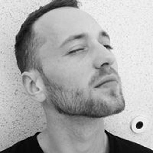 Julien Milan's avatar