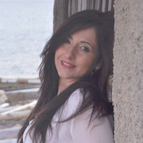 Lola Coloma's avatar