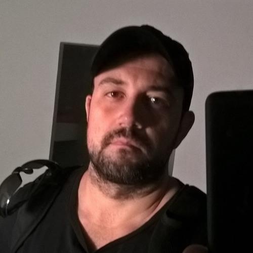 Ang Lo's avatar