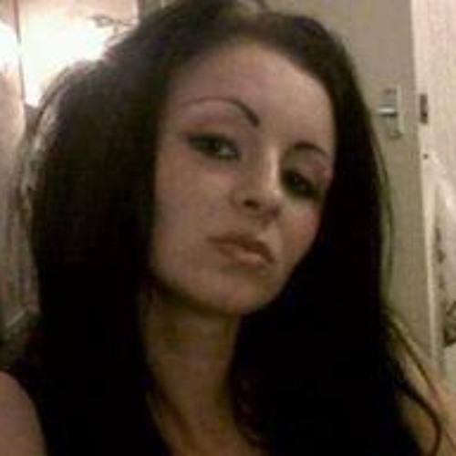 Dionne Logan's avatar