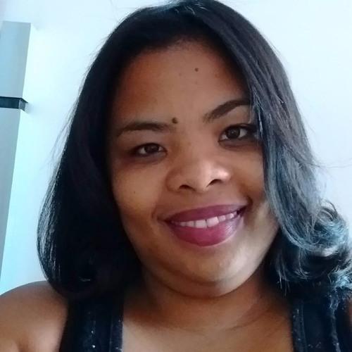 Adriana38's avatar