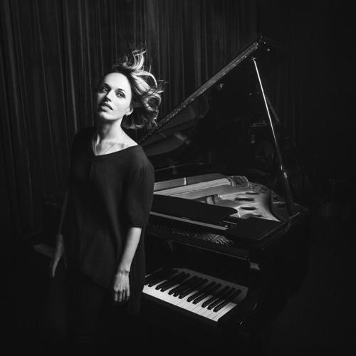 Roksana Smirnova's avatar