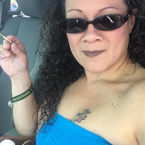 Lisa Cano's avatar