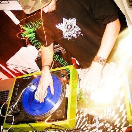 DJ GAZz's avatar
