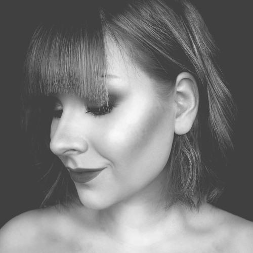 Roosa-Maria's avatar