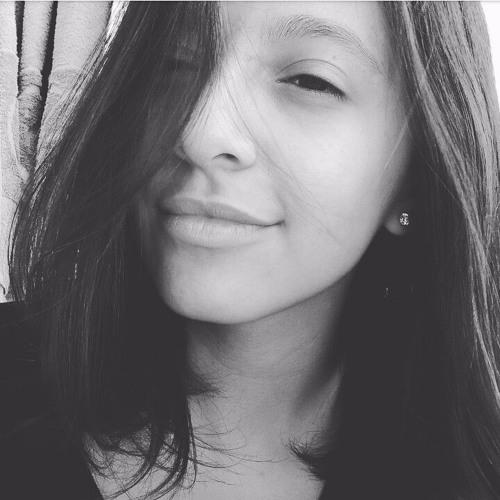 Ana Karoline Marinho's avatar