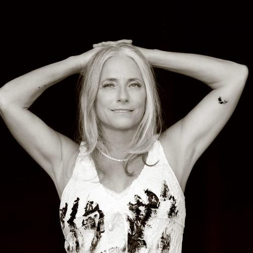 Adrienne Z's avatar