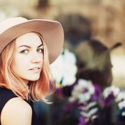 Michèle Fotuna Official's avatar