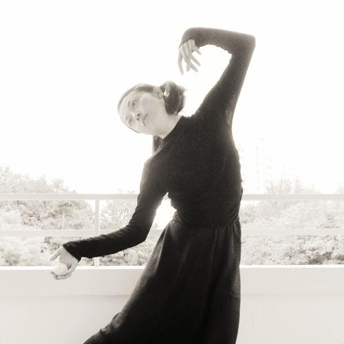 Yoko Higashi's avatar