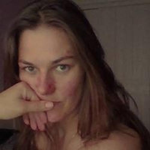 Elle Yarupe's avatar