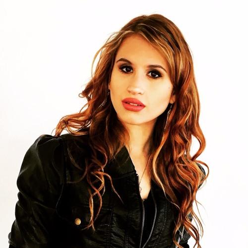 Carly Eden's avatar