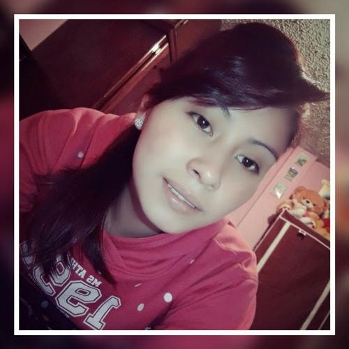 Roxana Estrella's avatar