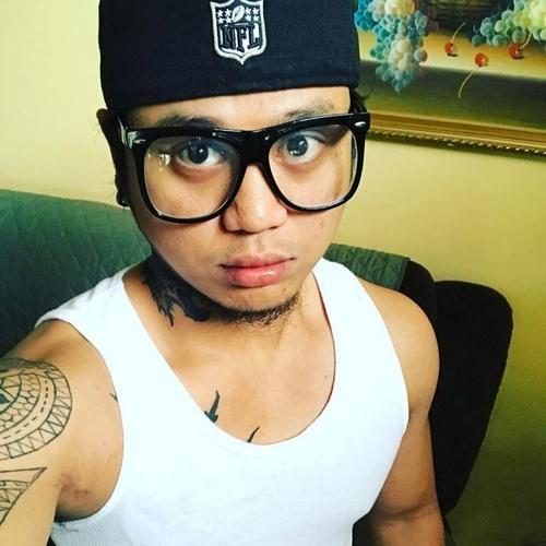 elly agarao's avatar