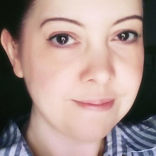 Suzy Hazelwood's avatar