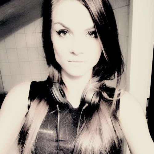 M.Joliena's avatar