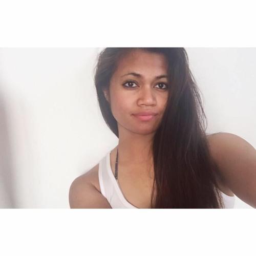 adeline rose ➳'s avatar